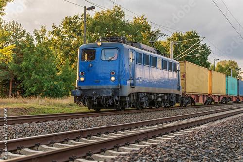 Fotobehang Spoorlijn Güterzug mit E - Lok
