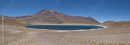 Cadres-photo bureau Amérique du Sud Cordillère des Andes Paysage Lagune Chaxa atacama Chili désertique spectaculaire Altiplano Andes