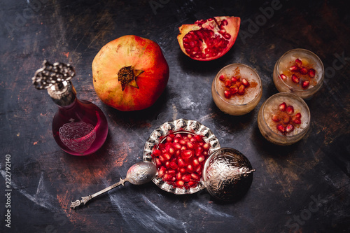 Cadres-photo bureau Dessert Turkish Dessert Ashura With Pomegranate, Noah's Pudding