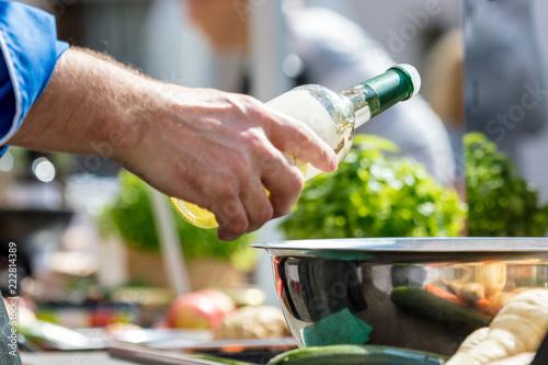 Photo  Chefkoch,Leckeres essen zubereiten und kosten