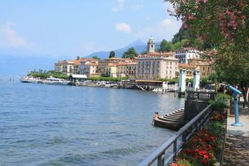 Fototapeta na wymiar Bellagio, le luxueux village sur les rives du lac de Come, Italie