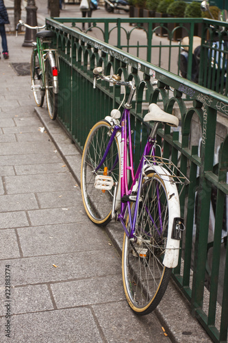 Foto op Canvas Fiets BICICLETA EN PARIS