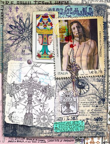 Collage misteriosi, alchemici, e esoterici con carte dei tarocchi e simboli astrologici