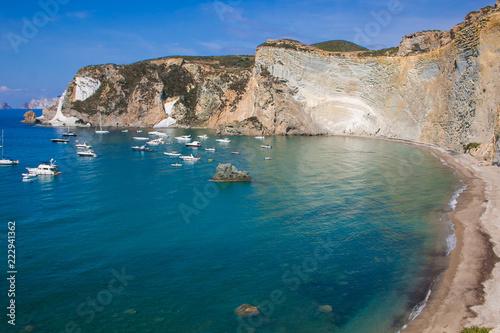 Spiaggia Chiaia di Luna nell'isola di Ponza in Lazio