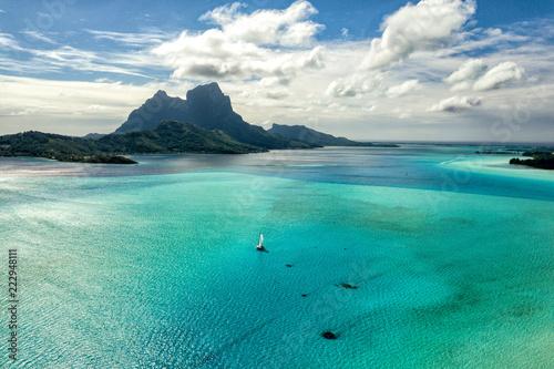 Fotobehang Luchtfoto Bora Bora island french polynesia lagoon aerial view