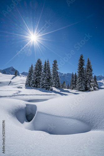 Foto op Canvas Bleke violet Winter in den Alpen