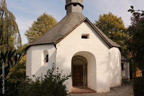 Fototapeta Die Heilig-Kreuz-Kapelle in Möhnesee-Drüggelte obraz