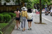 Jeunes Vietnamiens