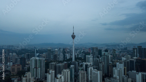 Papiers peints Xian Aerial view of Kuala Lumpur Skyline with KL Tower in Malaysia