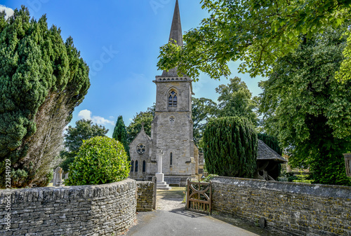 Foto  LOWER SLAUGHTER CHURCH, THE COTSWOLDS, GLOUCESTERSHIRE, ENGLAND