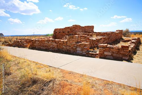 Foto  Historic Indian ruins in Edge of the Cedars State Park, Utah, USA