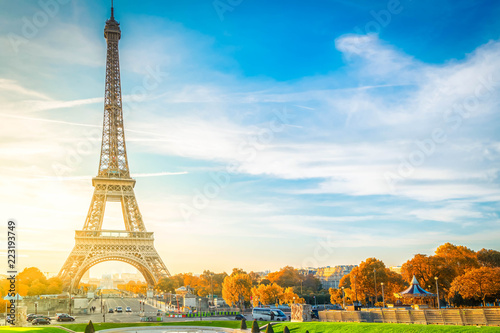 Fotobehang Eiffeltoren view of Eiffel Tower with blue sky at fall, Paris, France