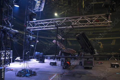 Obraz Preparing the stage for a concert - fototapety do salonu