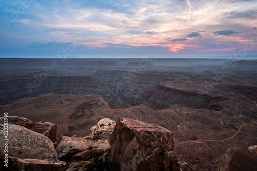 Fotografia, Obraz  sunset from top of cliff at muley point in desert of Utah