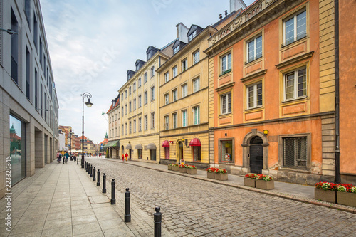 Architecture of the old town of Warsaw, Poland © Patryk Kosmider