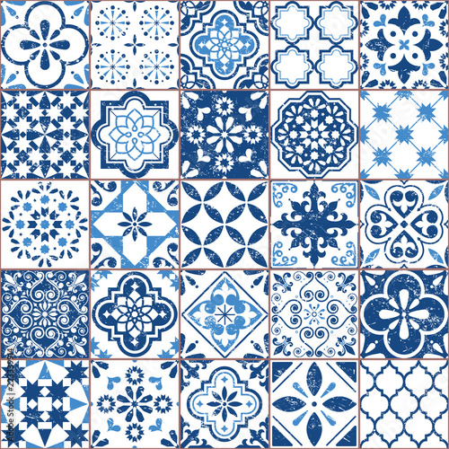 Deurstickers Kunstmatig Vector Azulejo tile pattern, Portuguese or Spanish retro old tiles mosaic, Mediterranean seamless navy blue design