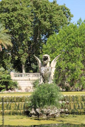 Spoed Foto op Canvas Fontaine Sculpture sur une fontaine
