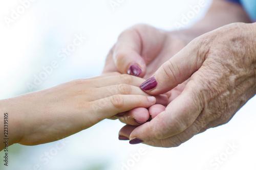 Vászonkép il tempo che passa, nonna e nipote