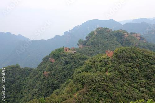 Spoed Foto op Canvas Khaki Chinese outdoor leisure climbing amateur team