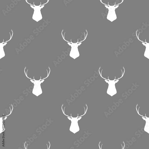 wektor-deseniowa-ilustracja-z-glowa-rogacz-w-bialym-kolorze-z-popielatym-back