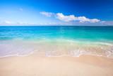 Fototapeta Fototapety z morzem do Twojej sypialni - beach and beautiful tropical sea