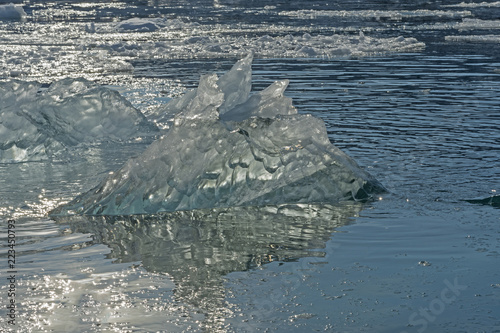 Spoed Foto op Canvas Arctica LIght Shining through an Iceberg