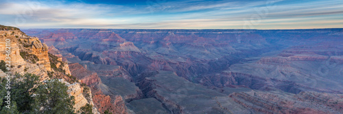 Panorama of Colorado River Cutting Through the Grand Canyon on a Hazy Day Canvas-taulu
