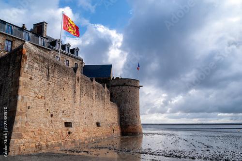 Plakat Francja. Mont Saint Michel - klasztor na wodzie