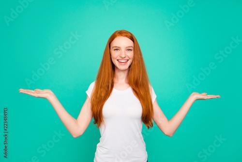 Fotografía  Portrait of adorable positive cheerful glad cute bright vivid sh