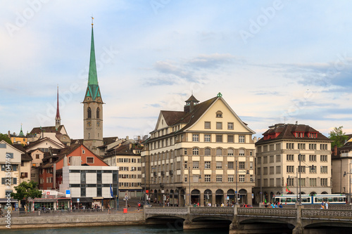 Foto  Beautiful cityscape of Zurich, Switzerland, with the Predigerkirche, seen from t