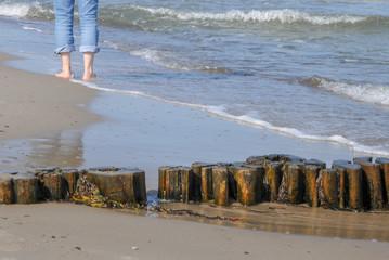 füße beine Strand Ostsee Spaziergang Jogen Walken laufen beine Frau füße