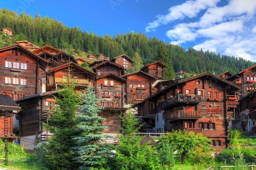 Fotografía  Beautiful cityscape of the alpine village Grimentz, Switzerland, with traditiona