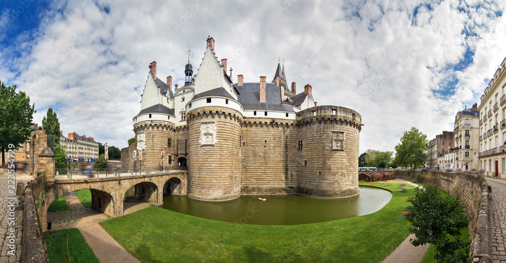 Fototapeta Beautiful panoramic cityscape view of The Château des ducs de Bretagne (Castle of the Dukes of Brittany) a large castle located in the city of Nantes, France
