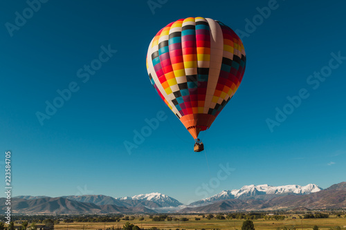 Valokuva  Hot Air Balloon Ride Over The Wasatch Mountains In Utah USA