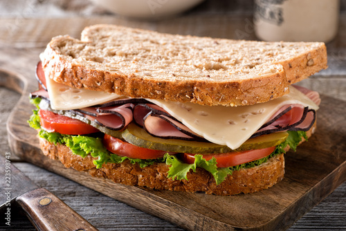 Photo sur Aluminium Snack Ham and Cheese Sandwich