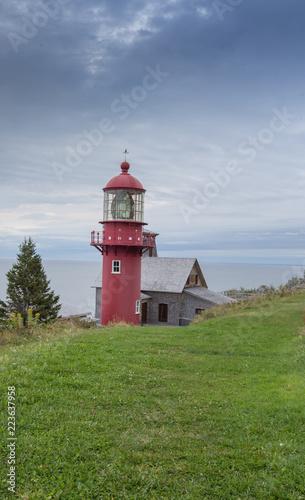 Foto op Aluminium Vuurtoren red lighthouse Gaspe Quebec