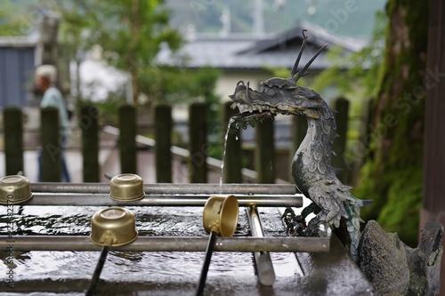 Fotografia, Obraz  竜の口から落ちる水