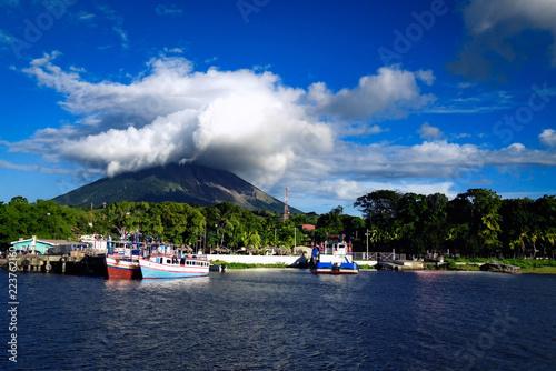 Cuadros en Lienzo OMETEPE, NICARAGUA - Dec 2015: Moyogalpa port on Ometepe Island in Lake Nicaragu