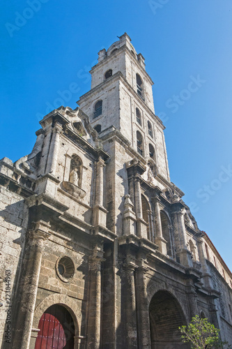 Fotobehang Havana San Francisco church and its adjacent square in Old Havana, a famous touristic landmark on the colonial city