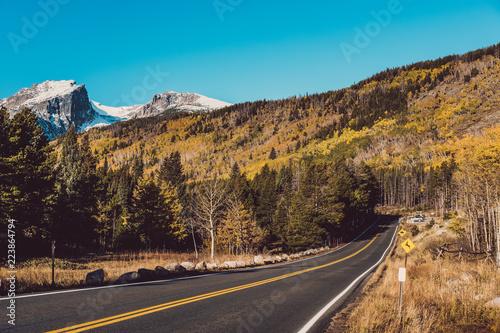 Keuken foto achterwand Turkoois Highway at autumn in Colorado, USA.