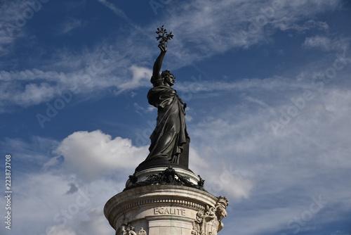 Fotografía  Statue de Marianne place de la République à Paris, France