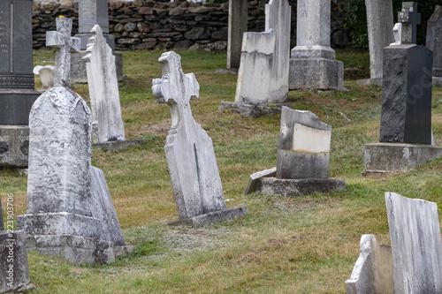 Keuken foto achterwand Begraafplaats Mount Olivet Cemetery Halifax, summer sun, no people, quiet, solemn, peace, headstones.