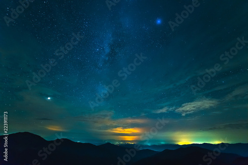 Photo  The beautiful mountain landscape on the starry sky background