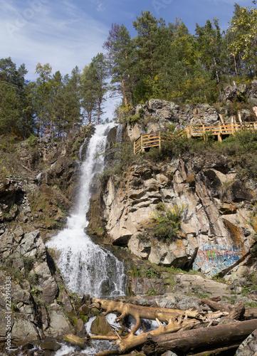 Foto op Aluminium Cathedral Cove Kamyshlinsky falls at Kamyshla river near Barangol village. Altai Republic. Russia