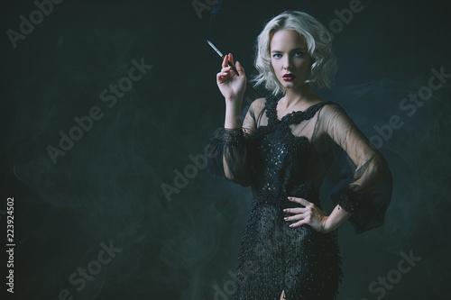 Fotografie, Obraz  smoking blonde lady