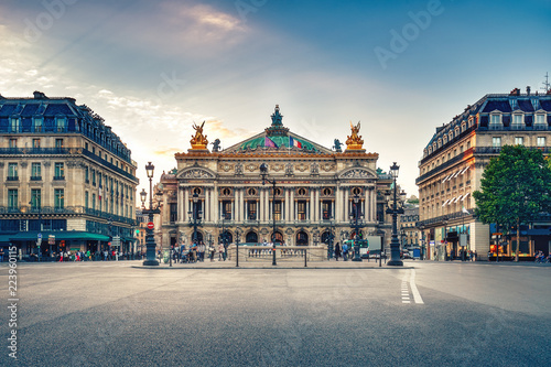 Photo sur Toile Europe Centrale French Opera in Paris, France. Scenic skyline against sunset sky. Travel background.
