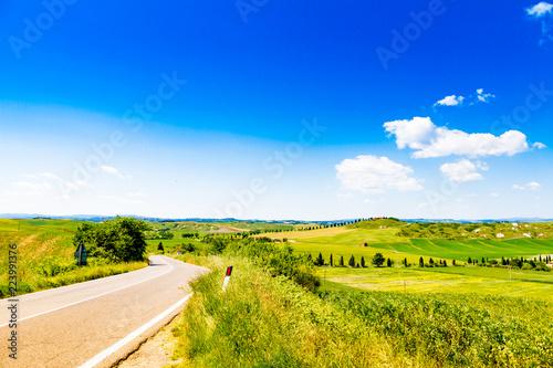 Foto  Fields in Tuscany, Italy