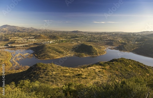 Cuadros en Lienzo Panoramic Landscape Scenic View of Beautiful Lake Hodges in San Diego County fro
