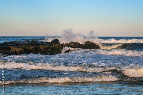 Fotografia  Crashing Waves and Jetty