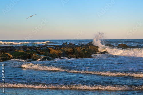 Fotografie, Obraz  Wave Action and Jetty